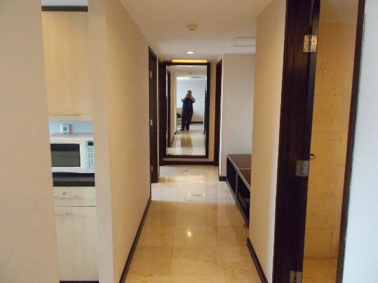 Aston Braga Hotel & Residence, Bandung: Hallway
