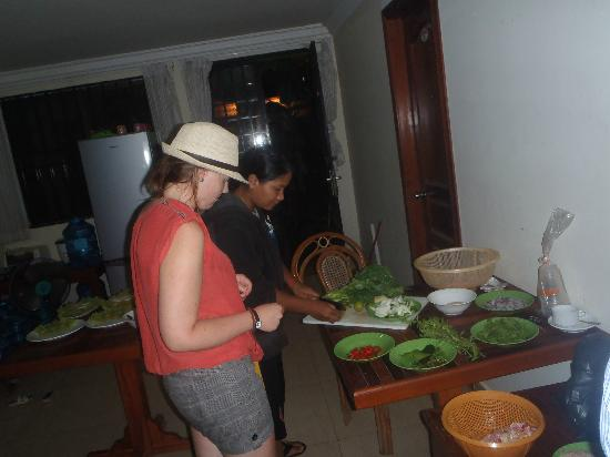 Siem Reap Bat Hotel: During our cooking lesson with Sophia :-)