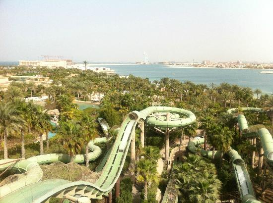 Atlantis, The Palm : Water park aerial shot