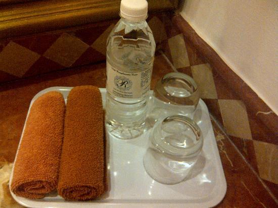 Royale Chulan Bukit Bintang: Towels