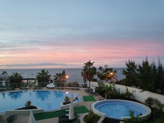 Melia Madeira Mare Resort & Spa: Vue de notre chambre n°108