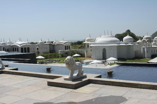 Fairmont Jaipur: The Pool