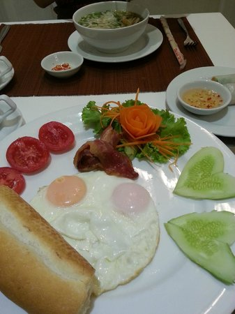 Calypso Suites Hotel: Breakfast