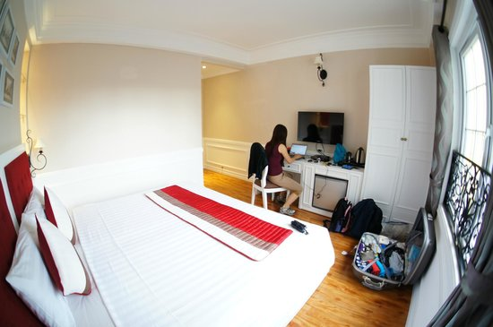 โรงแรม คาลิปโซ สวีท: Room