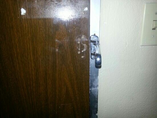 University Inn Austin North: latch