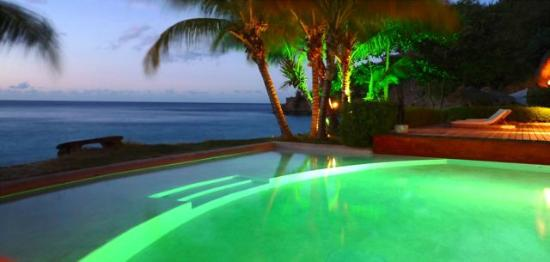 Laluna Hotel: Nighttime beauty