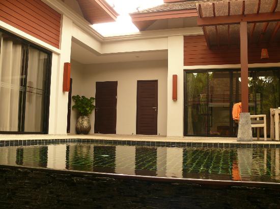 The Bell Pool Villa Resort Phuket: Территория виллы