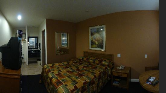 Dunes Inn - Sunset: room