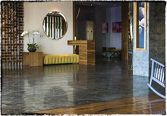 Hyatt Centric The Pike Long Beach: Lobby