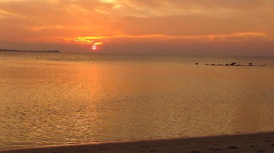 Menjangan Resort Karimunjawa: coucher de soleil