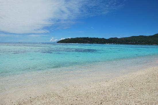 New Emerald Cove: la spiaggia dell'albergo
