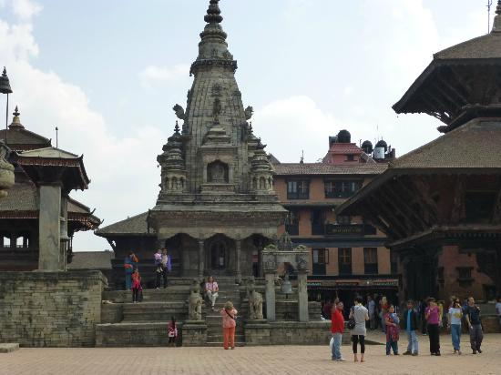 Shiva Guest House1 & 2: Shiva au fond à droite