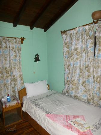 Shiva Guest House1 & 2: Chambre à deux lits simples