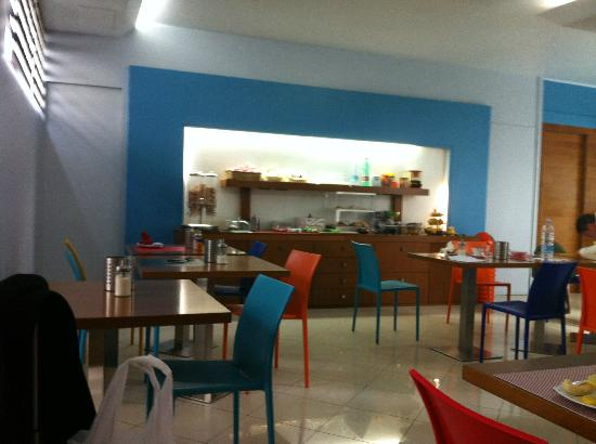 EmpoliHotel: sala colazione