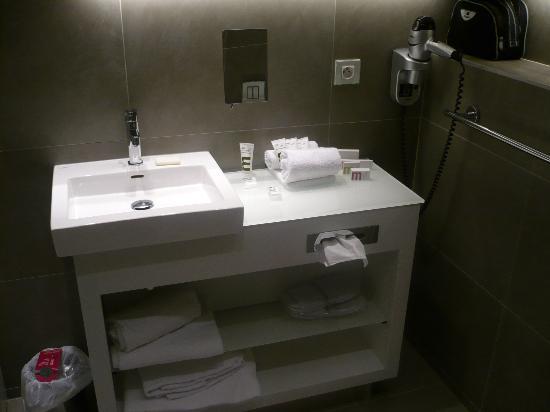 Mercure Paris Porte de Versailles Vaugirard: Salle de bain