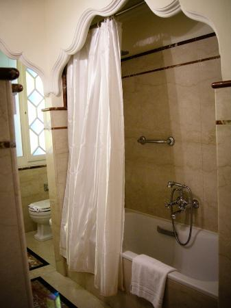 https://media-cdn.tripadvisor.com/media/photo-s/03/19/8a/dc/hotel-bristol-palace.jpg