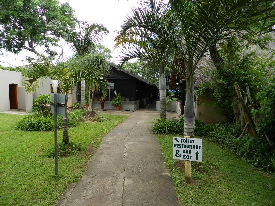 Gooderson DumaZulu Lodge and Traditional Zulu Village : Restaurant - Bar