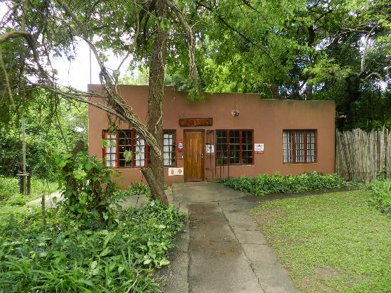 Gooderson DumaZulu Lodge and Traditional Zulu Village : Boutique - souvenirs