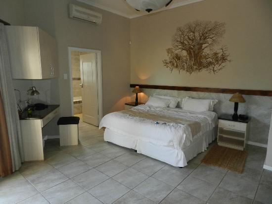 Ibhayi Town Lodge: Chambre