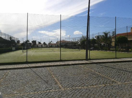 Hotel Luz Bay: Tennis courts