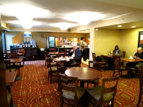 Fairfield Inn & Suites Dulles Airport Herndon/Reston: Breakfast room