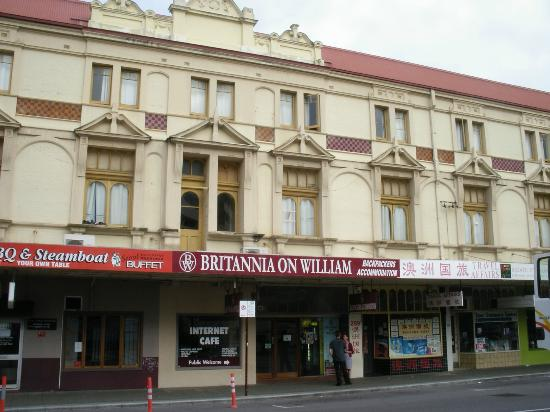 Britannia on William: View from street