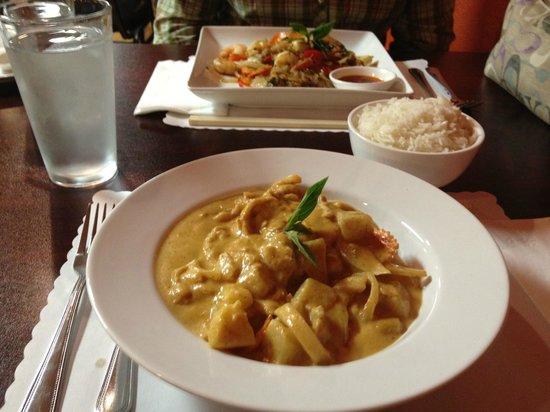 Basil Cafe: Masaman Curry