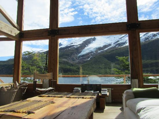 Aguas Arriba Lodge: Living