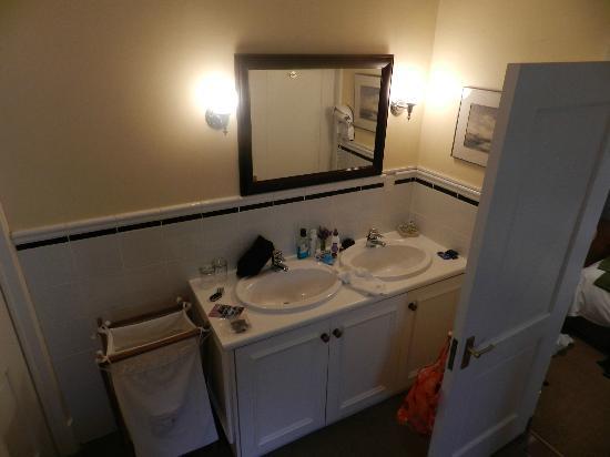 La Fontaine Guest House: Salle de bains