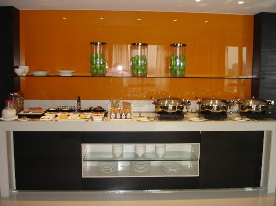Pullman Dubai Creek City Centre: Buffet petit déjeuner