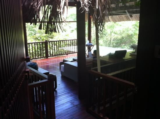 L'Alyana Ninh Van Bay: middle floor outdoor lounge with pool in background