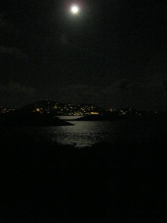 ‪‪Virgin Islands Campground‬: full moon from pavilion