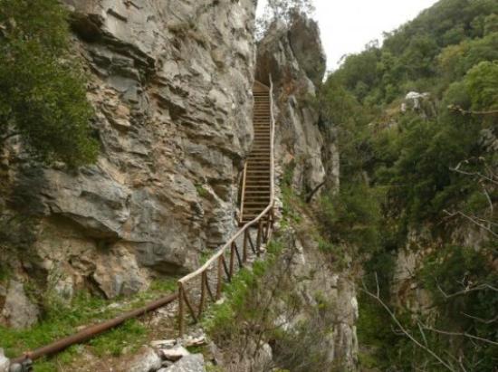 Kastori, Yunani: Φαράγγι του Βρυσιώτικου - Μύλων
