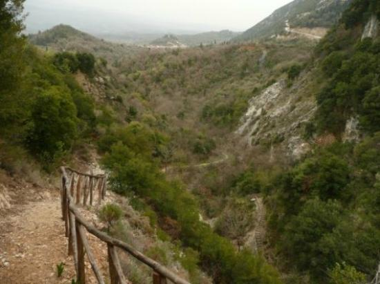 Vrisiotikos Canyon (Canyon Milon): Φαράγγι του Βρυσιώτικου - Μύλων