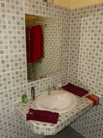 ECO Guesthouse: Bathroom