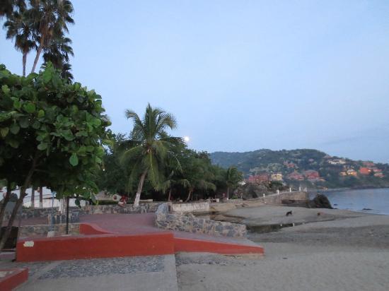 Pacifica Grand: Beach