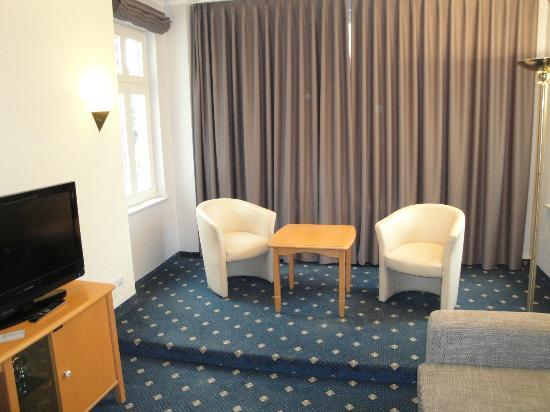 Hotel Residenz Waldkrone: Separate living room