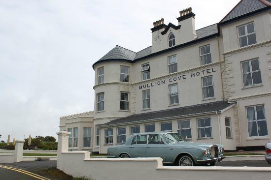 Mullion Cove Hotel: Unser Wagen vor dem Hotel :)