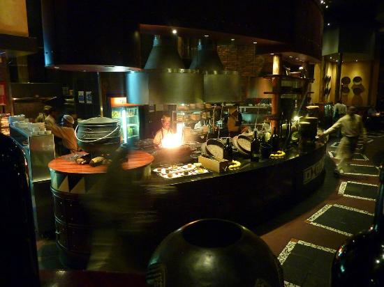 Tribes African Grill & Steakhouse: L'interno del Tribes