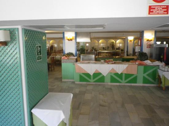 Ushuaia Ibiza Beach Hotel : Speisesaal/Buffet.