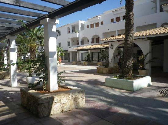 Ushuaia Ibiza Beach Hotel: Hotelanlage.