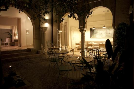 Balcon de Cordoba: Disfrute una cena romántica