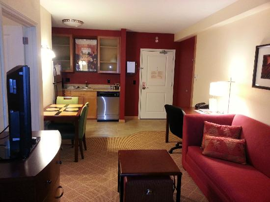 Residence Inn Chicago Midway Airport: Living room