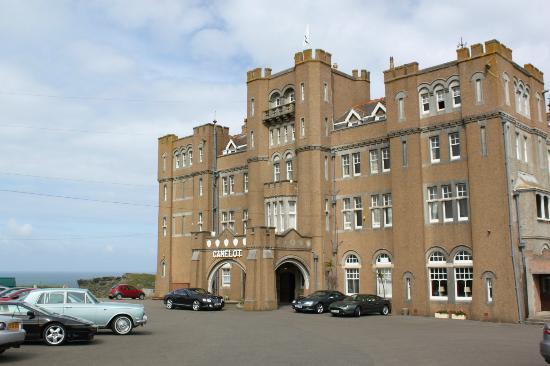Camelot Castle Hotel: Parkplatz :)