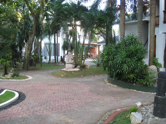 Pinjalo Resort Villas: grounds
