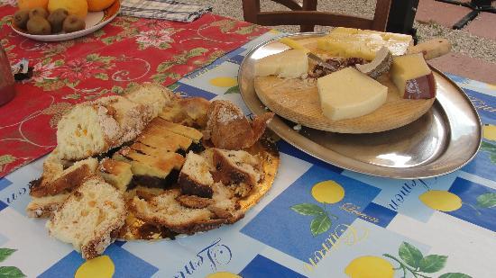 Agriturismo Terrammare: Breakfast