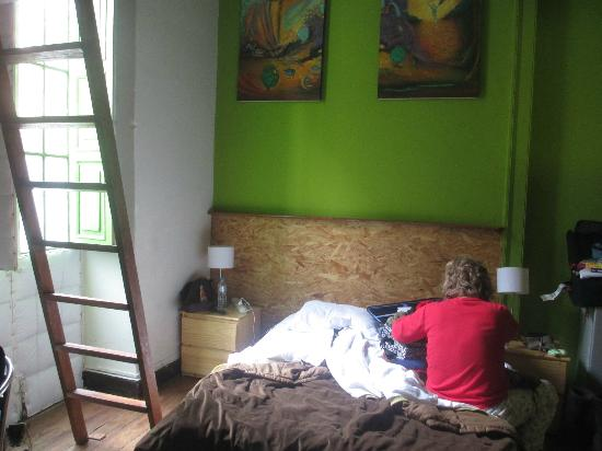 Kaminu Backpackers Hostel: Loft bedroom by far the nicest room