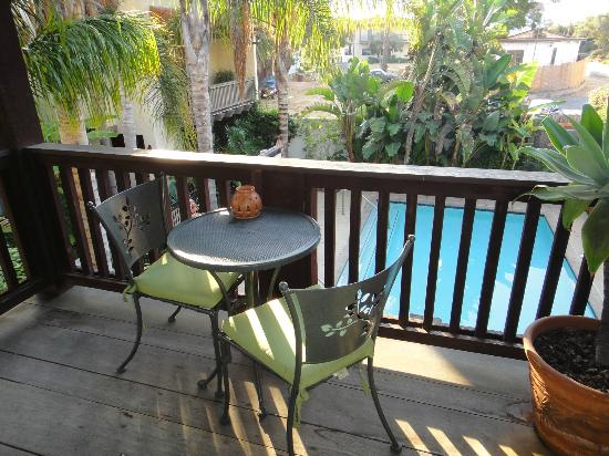 Spanish Garden Inn: balcony executive king