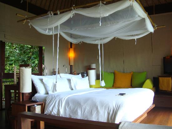 Six Senses Samui: Bed area of the Villa