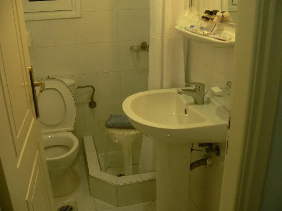 Hotel Triton: Very tiny